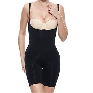 NEVER WORN Shapewear